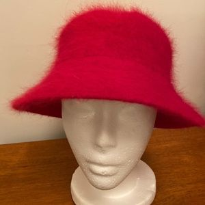 DAVID AND YOUNG ANGORA RIMMED WINTER HAT